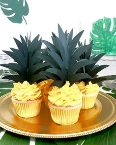 Die Woche wird es tropisch bei uns   #mundushannover  #ananas #fineart #bakery #cakelove #cupcakes #tropical #konditor #foodporn #instafood #instacake #instabake #foodfotography #happinessoverload #instagood #photooftheday #happy #delicious #fineartbakery #hannover #summer