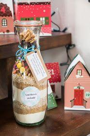 Má to šťávu!: Sušenky do sklenice - jedlý dárek Merry Christmas, Spices, Food And Drink, Christmas Decorations, Birthday Cake, Candy, Homemade, Drinks, Gifts