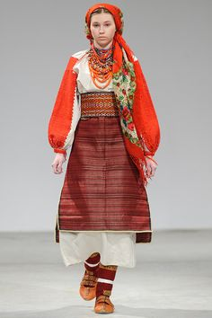 Photo et Vidéo :: Ukrainian Fashion Week Folk Fashion, Fashion Week, Modern Fashion, Fashion Trends, Ethnic Outfits, Ethnic Dress, Folk Clothing, Historical Clothing, Style Russe