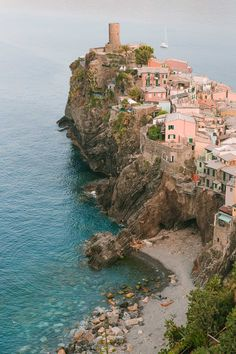 Cinque-Terre-Hiking-Trails-Map-Route