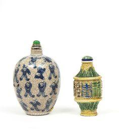 Ensemble de deux flacons tabatières (Snuff bottle) en porcelaine,