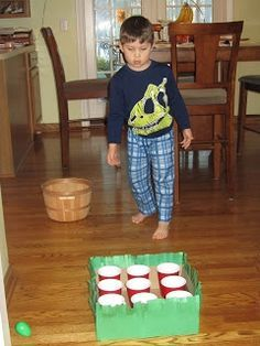 Egg toss - This site has great Easter party games. These are perfect for home or classroom parties. (different cup color).