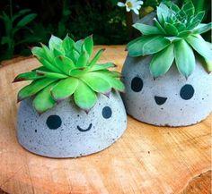 Too Cute DIY Concrete Planters | DIYIdeaCenter.com