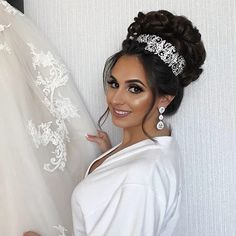 "f06798da9a Bridal Styles Boutique on Instagram  ""Our stunning Yasmin!   crystalencrusted bridal headpiece and jewelry by  BridalStylesBoutique  Hair by  senadakxo Makeup ..."