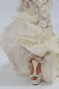 Elie Saab Fall 2009 Couture Collection Photos - Vogue#2#4