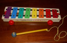 VINTAGE FISHER PRICE PULL A TUNE 1964 XYLPHONE #870