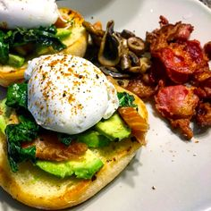 Eggs Benedict with Smoked Salmon Bacon Stuffed Mushrooms, Stuffed Peppers, Salmon Eggs, Bacon Fries, Paleo Bacon, Spinach Leaves, Smoked Salmon, Good Food, Brunch