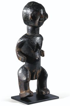 STATUE, MONTOL, NIGERIA MONTOL FIGURE, NIGERIA haut. 36 cm, 14 1/8 in Provenance Collection Jacob Epstein, Londres Collection Carlo Monzino, Castagnola Collection privée Sotheby's, Paris, 12 décembre 2012, lot vendu 7,000 EUR