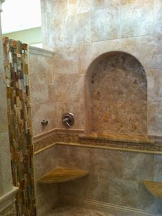 Shower with large arched shampoo niche