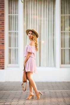 Lace and locks - Petite Fashion & Style Blogger. For more petite fashion & style bloggers visit http://petitestyleonline.com/blogroll/