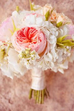 pretty peach wedding bouquet