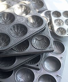 Beautiful vintage baking tins make great junk drawer organizers or jewelry organizers or candy dishes or heck you could even use them to make fancy muffins! LOL!
