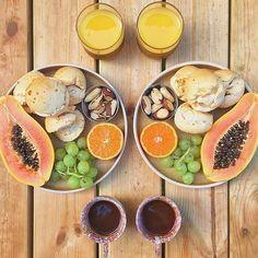 Bom dia sexta sua linda!!! Inspirada por essa mesa linda de café da manhã (#regram @marieclairebr ). Só uma observação em relação a foto cuidado com a super dosagem de selênio a ingestão de somente 1 castanha do Pará por dia já é o suficiente para atender a recomendação de selênio. Fica a dia coma somente 1 castanha diariamente...   #ficaadica #inspiração #inspiration #sextasualinda #friday #breakfast #instafood #instalike #girisbioggers #vidasaudável #tagsforlikes #frutas #fruits #instamood