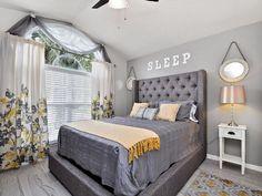 the best place to rent a five stars house near disney world in orlando florida Orlando Vacation, Orlando Florida, Universal Studios, Places To Rent, Villa Design, Vacation Villas, Luxury Villa, Location, Beautiful Homes