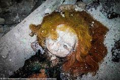 Spooky Dolls of Chernobyl - English Russia Chernobyl Disaster, Abandoned, Dolls, Russia, Interesting News, English Language, Waiting, Horror, Child