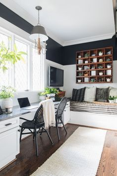 Find the best idea to make a home office for two. Sharing a home office sounds l… Find the best idea to make a home office for two. Sharing a home office sounds like a good idea at first glance. Guest Room Office, Home Office Space, Home Office Design, Home Office Decor, Home Design, Design Ideas, Office Designs, Office Nook, Office Seating