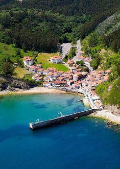 08-Tazones-asturias Beautiful Sites, Beautiful Places, Travel Pictures, Travel Photos, Cuenca Spain, Asturias Spain, Spain And Portugal, Spain Travel, Vacation Destinations