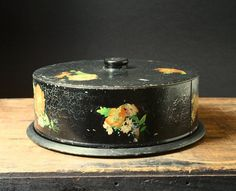 vintage cake carrier 1950's cake tin by cristinasroom on Etsy