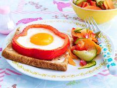 Belegte Brote - Stullen-Rezepte vom Feinsten - spiegelei-paprika-blume-toast Rezept