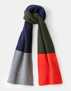 Give outfits that put-together finish with our collection of men's accessories. Explore classic belts for smart and casual looks, as well as ultra-comfortable everyday socks at Boden. Mens Knitted Scarf, Knitted Shawls, Wool Scarf, Knitted Scarves, Arm Knitting Tutorial, Wool Thread, Baby Sewing Projects, Textiles, Shawls And Wraps
