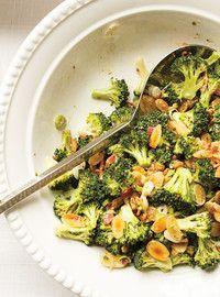 Salade de brocoli Recettes   ricardo Modifiée légèrement selon les commentaires: 2 c. À table de vinaigre et 1 c. À table de sirop d'érable. Excellente
