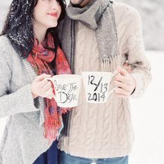 Cozy and cute   Photography: Jeremiah And Rachel Photography - jeremiahandrachel.com/  Read More: http://www.stylemepretty.com/2015/02/10/winter-wonderland-engagement-session/