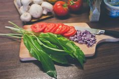 Plnené šampiňóny s medvedím cesnakom Pesto, Ethnic Recipes, Kitchen, Food, Cooking, Kitchens, Essen, Meals, Cuisine