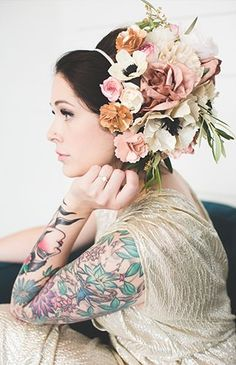 Inspired By This Romantic & Edgy Family Vow Renewal Stunning large flower crown Bridal Comb, Bridal Hair Vine, Headpiece Wedding, Wedding Veils, Bridal Headpieces, Floral Headdress, Flower Headpiece, Champagne Wedding, Flowers In Hair
