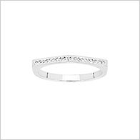 On trend pyramid sparkle ring, stainless steel