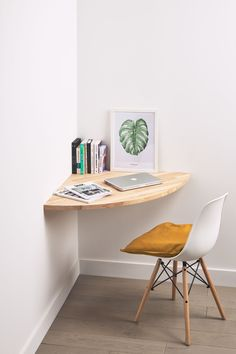 Stunning Ideas Small Workspace fit into Small Space In a small apartment, you might not have the luxury of having an entirely separate room to use as a study — but that doesn't mean you can't carve out a little s. Small Room Design, Home Room Design, Home Office Design, Home Office Decor, Home Interior Design, Interior Office, Office Ideas, Study Room Decor, Room Ideas Bedroom