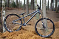 Saracen ALX DJ - Fow Fork - Halo rims & tire http://www.pinkbike.com/photo/7834381/