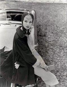 Nena von Schlebrugge, 1957. Photo: Norman Parkinson.
