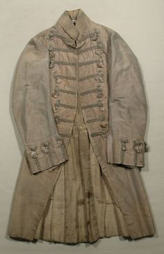 Frock coat  National Trust Inventory Number 1348782.1 Date1780 - 1790 MaterialsCotton, Linen, Shot silk, Silk CollectionSnowshill Wade Costume Collection, Gloucestershire (Accredited Museum)