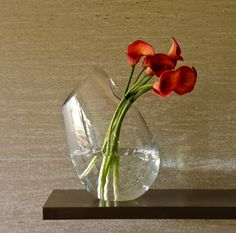 MIRAGE - Original vase that allows special floral arrangements.