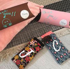 by Ma@g🧵 sur Instagram: Encore des petits cadeaux de fin d'année pour les «dames de la garderie» Étuis à lunettes Mirette de @patrons_sacotin personnalisés et…