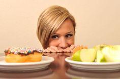 """V následující tabulce najdete ke každé """"touze""""uvedenou chybějící látku a také způsob, jak tento nedostatek nejlépe odstranit Toužíte po Chybí vám Potraviny, které uspokojí vaši potřebu čokoláda horčík syrové ořechy a semena, luštěniny, ovoce sladkosti chrom brokolice, hrozny, sýr, vysušené fazole uhlík čerstvé ovoce fosfor ryby, vejce, mléko a mléčné výrobky, ořechy, luštěniny síra brusinky,"""