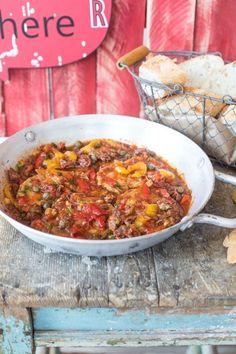 Római stílusú sertéskaraj, amit imádni fogsz   Street Kitchen Tasty Dishes, Curry, Ethnic Recipes, Street, Food, Cooking, Curries, Essen, Meals
