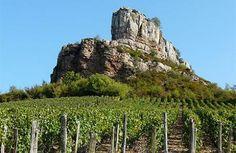 La roche de Solutré Musée de Préhistoire - Grand Site de France Solutré Pouilly Vergisson