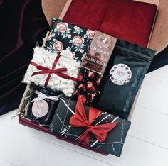 Подарок мамуле, сестре, девушке, подруге ❤ Holiday Gifts, Christmas Gifts, Gift Boxes For Women, Birthday Gifts, Happy Birthday, Baby Gift Box, Gift Box Packaging, Gift Baskets, Diy Gifts