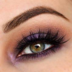 Maquillaje ahumado morado