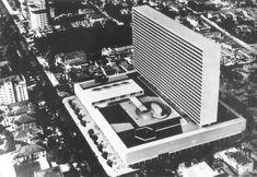David Libeskind, Conjunto Nacional /  © Revista Acrópole n° 222  Via Arquivo Arq