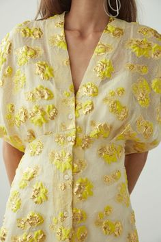 Tendril Dress (With images) Fashion Details, Fashion Tips, Yellow Fashion, Mode Style, What To Wear, Rachel Comey, Street Style, Style Inspiration, Casual