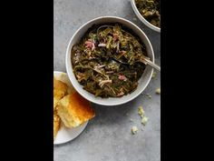Southern collard greens recipe - These authentic Southern Collard Greens are braised in a savory meat flavored and perfectly spiced pot liquor resulting in a tender silky texture. Serve with cornbread and hot sauce for a true Soul Food meal. Easy Collard Greens Recipe, Southern Collard Greens, Side Recipes, Vegetable Recipes, Cooking Recipes, Healthy Recipes, Healthy Food, Exotic Food, Comfort Food