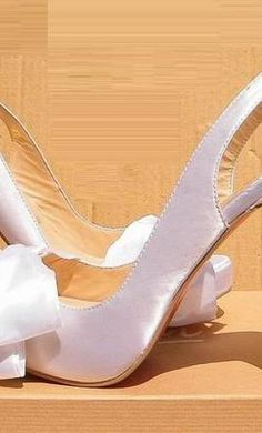 Christian Louboutin the best one christian louboutin designer shoes fashion featured glamour shoes Christian Louboutin Red Bottoms, Louboutin High Heels, Christian Louboutin So Kate, Red High Heels, Best Bridal Shoes, Wedding Shoes, Dream Wedding, Red Bottom Shoes, Off White Shoes