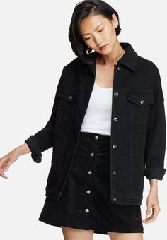 When in doubt, double up on denim. This boyfriend-style oversized denim jacket is a beauty, featuring metallic buttons, multiple pockets and a flat yoke. Wear it over a white tucked-in tee with the sleeves slightly rolled, along with black distressed denim jeans and sneakers. Oversized Denim Jacket, Distressed Denim Jeans, Boyfriend Style, Jeans And Sneakers, Metallic, Buttons, Pockets, Flat, Tees