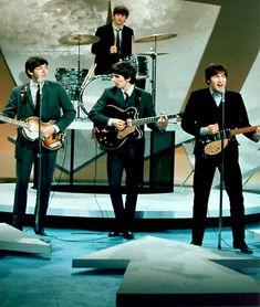 The Beatles - Ringo Starr (Richard Starkey), Paul McCartney, George Harrison, and John Lennon (my favorite). Beatles Love, Les Beatles, John Lennon Beatles, Beatles Photos, Beatles Poster, Beatles Band, Beatles Songs, Ringo Starr, George Harrison