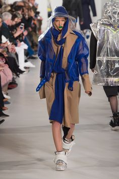 The complete Maison Margiela Fall 2018 Ready-to-Wear fashion show now on Vogue Runway.