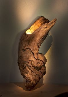Sconce or table lamp. found hardwood (Diy Lamp Schlafzimmer) Sconce or table lamp. found hardwood (Diy Lamp Schlafzimmer) Driftwood Lamp, Driftwood Projects, Rustic Furniture, Cool Furniture, Diy Luminaire, Deco Nature, Creation Deco, Brass Lamp, Pendant Lamps