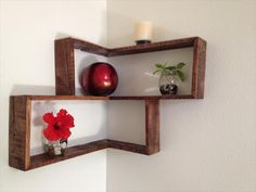 Get your hands onto this awesome DIY Wooden Pallets Decorative Shelf by just reducing a reduced base level of whole pallet skid.