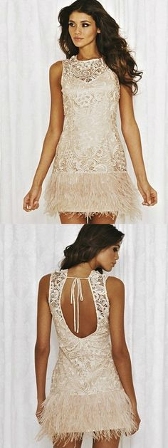My two obsessions: Feathers and Lace. I want thisssss <3